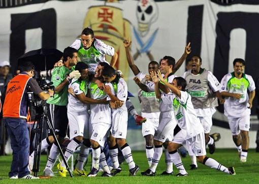 Gol de Schwenck contra o Vasco